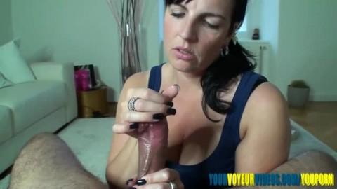 une bonne branlette et une superbe ejac