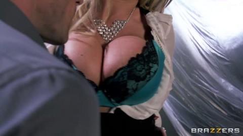 Nikki Benz a trouvé un gros chibre