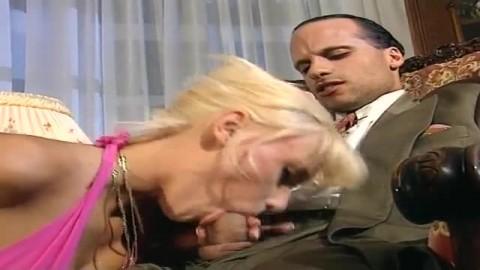 salope baise avec le patron