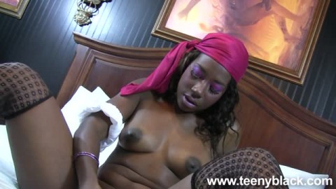 Courtney Williams pour une baise interracial