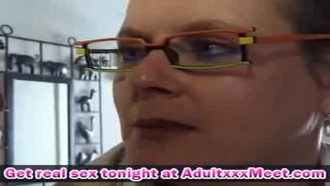 Ménagères de 50 ans sodomisée