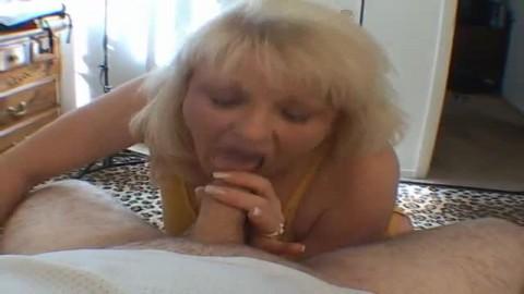 pipe et ejac faciale en pov avec une salope mature
