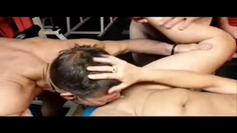 gangbang au sauna