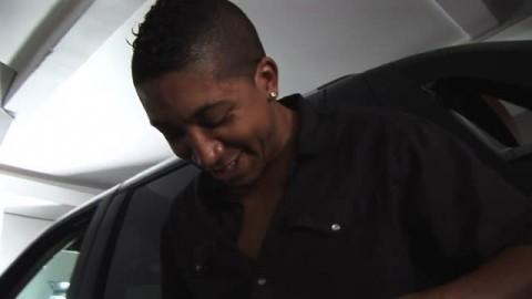 Sasha se fait baiser dans un ascenceur